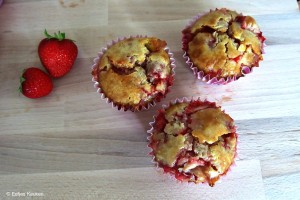 Muffin met aardbeien en witte chocolade